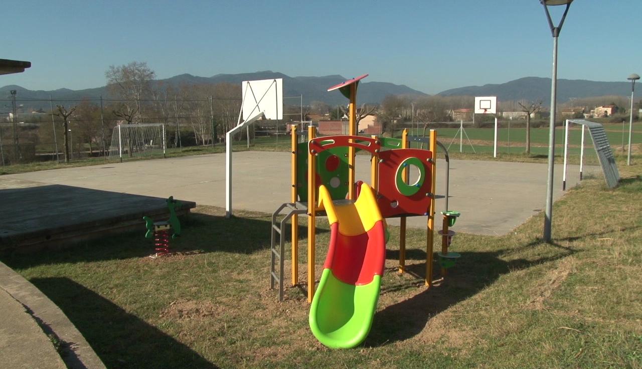 Nous parcs infantils a Cornellà del Terri