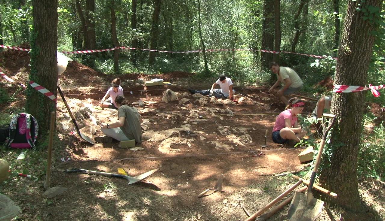 Comença la campanya d'excavacions a Roca Foradada